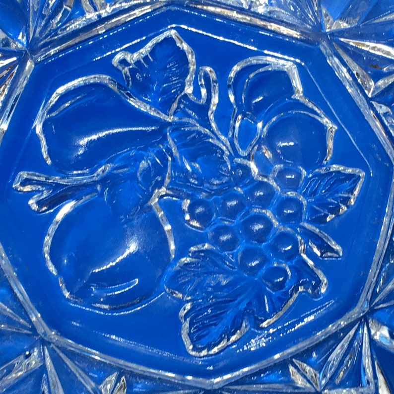 Pioneer Fruit Intaglio Pattern Bowl Ruffled Clear Glass Bowl 7 12 inch Decorative Dish Pressed Glass Serving Ware