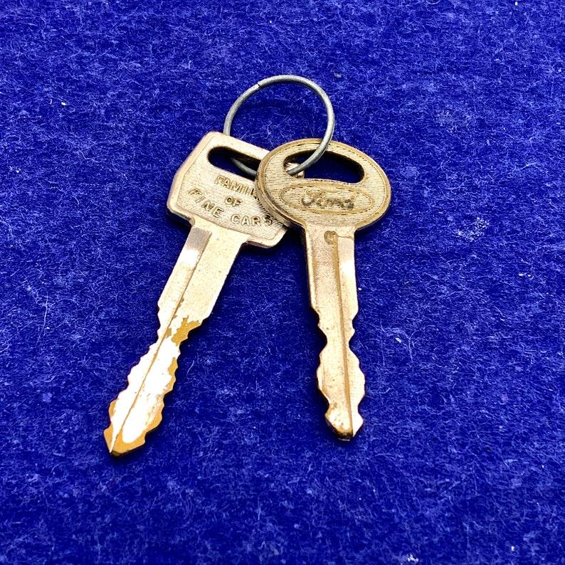 Vintage Ford Automotive Car Keys Ignition Key Door Lock Key image 0