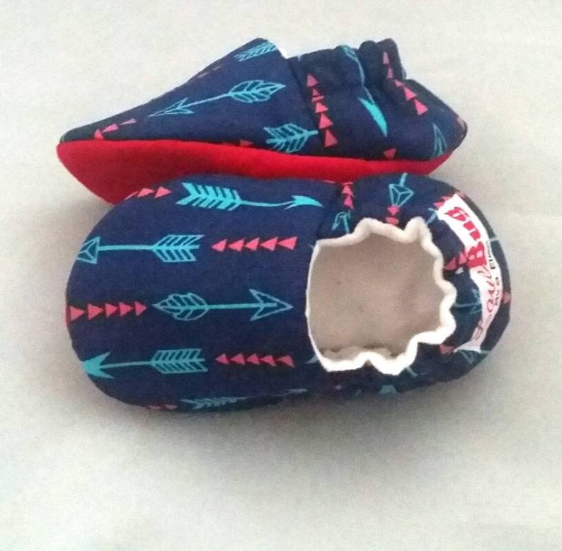 d2ebf47d66a09 Blue & Red Arrows Baby Booties: Baby shoes / Gender Neutral / baby boy /  baby girl / newborn / toddler gift / baby slippers / crib shoes