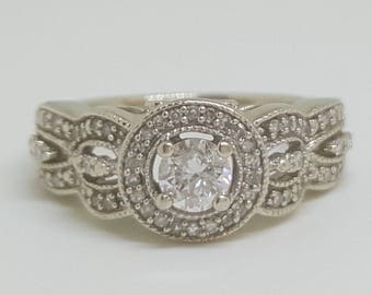 Gorgeous Vintage 10k Gold 0.50 Carat Diamond Halo Engagement / Wedding / Promise Ring Size 4