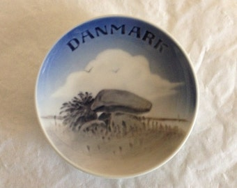 "Royal Copenhagen Danmark Plate 3.75"""