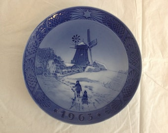 Royal Copenhagen 1963 Christmas Plate Windmill
