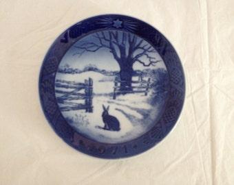 Royal Copenhagen 1971 Christmas Plate Hare in Winter
