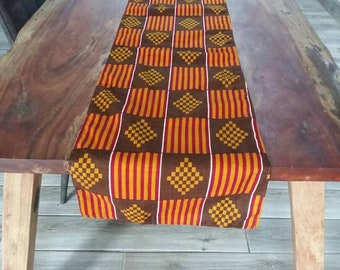 Incroyable African TABLE RUNNER ... Wax Print / Batik ... Table Linens Made In Ghana  ... African Home Decor