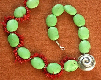 Necklace medium long turquoise howlith coral silver snail green red Artisan unique fairy tale playful sea silver