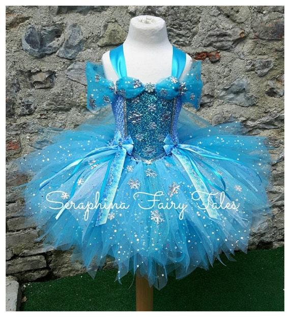 Les filles Blue flocon de neige princesse Tutu Dress Costume - bordée de bleu, blanc & argent paillettes robe de Gala fête d'anniversaire. Courte longueur.