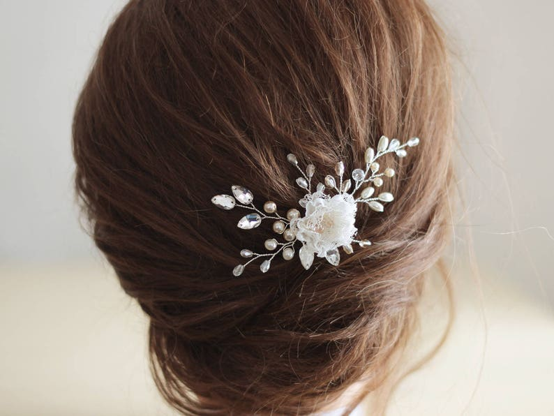 Bride Pearls Crystals hair piece Lace flower headpiece for wedding hairstyle Silver small hair pin Cream Flower bridal hair pin Beige