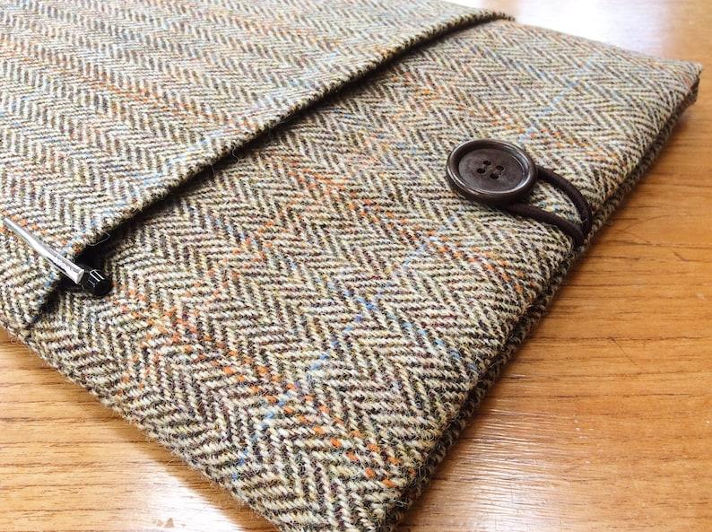 gift for him HARRIS TWEED MacBook 13 Pro Air cover case laptop sleeve brown and beige herringbone green