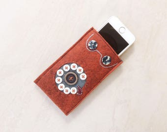 Wool Felt phone case, phone sleeve, iPhone SE, 5, 4 cover, felt, Rusty orange dial phone, soft case
