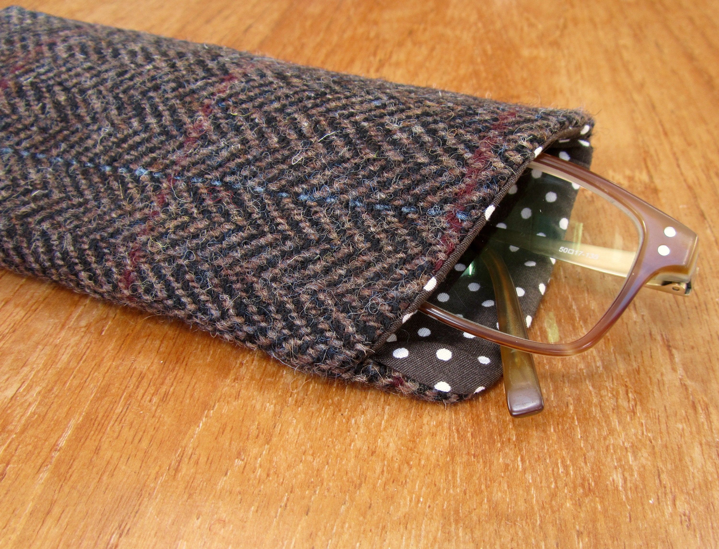 a3001be692f4 Glasses case in HARRIS TWEED spectacles cover sunglasses