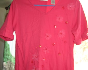Dark Coral / Salmon Color Short Sleeved with Daisies/Rhinestones/Beads Top Size Small