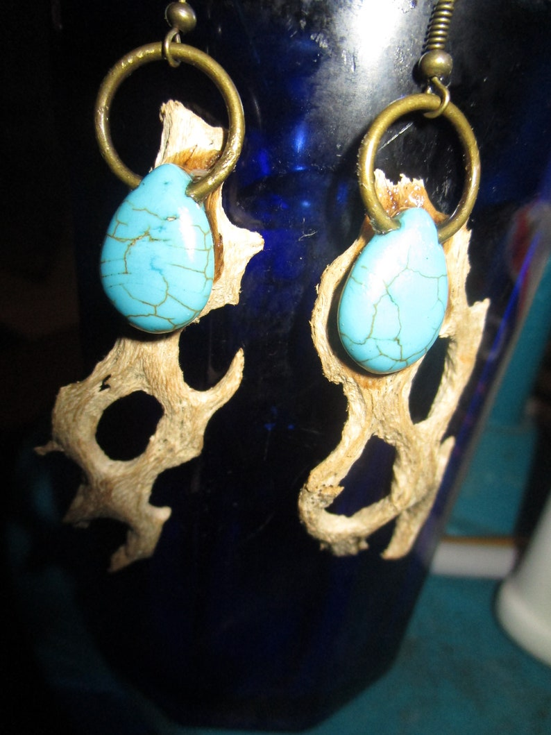 Handmade Cholla Cactus Wood Jewelry with Turquoise Teardrop Beads Necklace Earrings /& Ring Set
