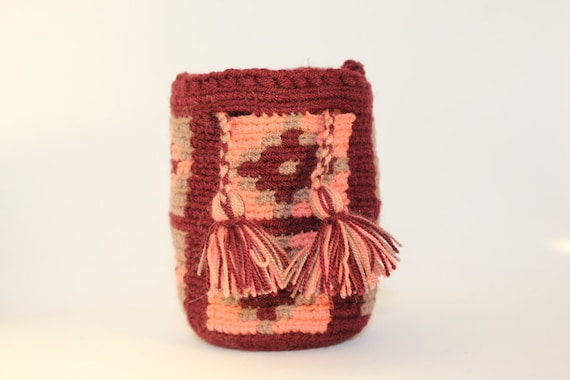 Handmade Mini Wayuu handbag (Coral, burgundy, light gray) – Dog disposable bags/treats holder