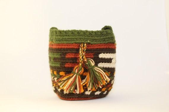 Handmade Mini Wayuu handbag (Creme, green, ochre, brown, khaki) – Dog disposable bags/treats holder