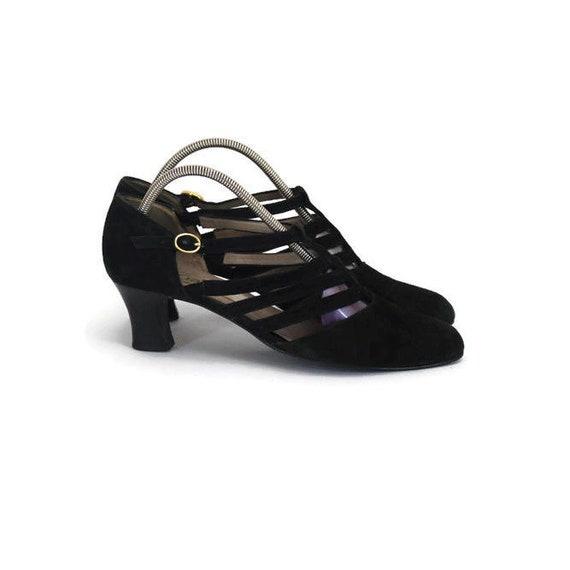Vintage heeled sandal pump in black suede by Gabor • Womens t strap summer shoe in black velour leather • US 6.5 • UK 5 • EU 38