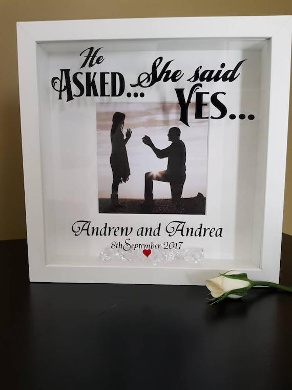 Personalizado compromiso marco preguntó que ella dijo que sí | Etsy