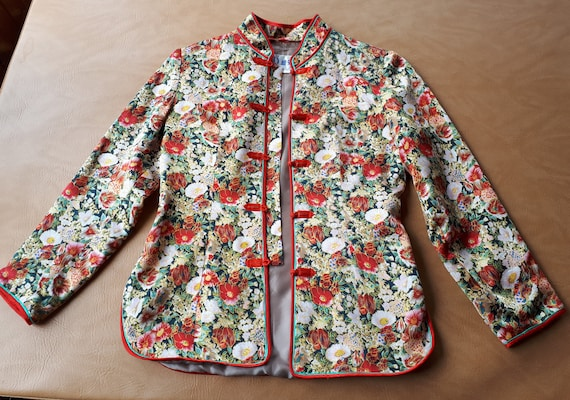 Vintage women traditional Chinese silk tunic jacke