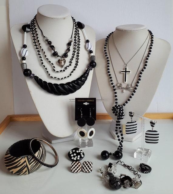 Destash jewelry lot black and white plastic Vintag