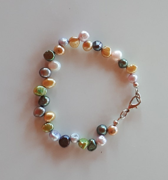 Natural and dyed cultured baroque pearl beaded bracelet grey silver yellow green white