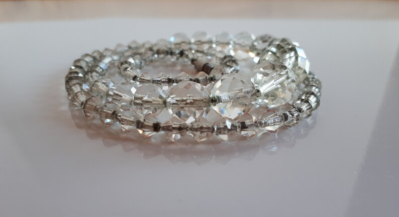 ART DECO finely hand faceted rock crystal beaded graduated necklace strung on silver chain