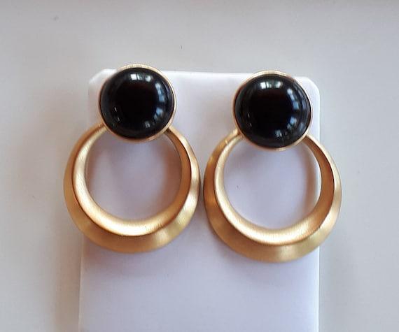Big Vintage TRIFARI Designer matte gold metal and