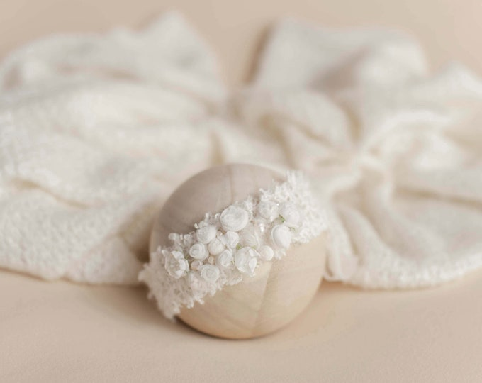 Frosted Ivory Newborn Sweater Knit Stretch Fringe Wrap And Tieback Set, ivory Newborn Photo Props, Ivory White Newborn Photo Prop, Tieback