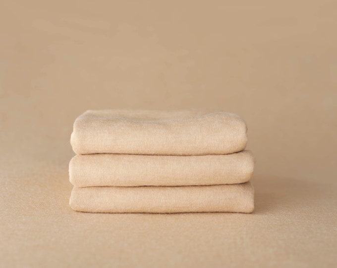 Blonde Neutral Newborn Posing Fabric, Newborn Blanket, Posing Fabric, Beige Newborn Backdrop, Fabric backdrop, Posing Fabric, Bean Bag