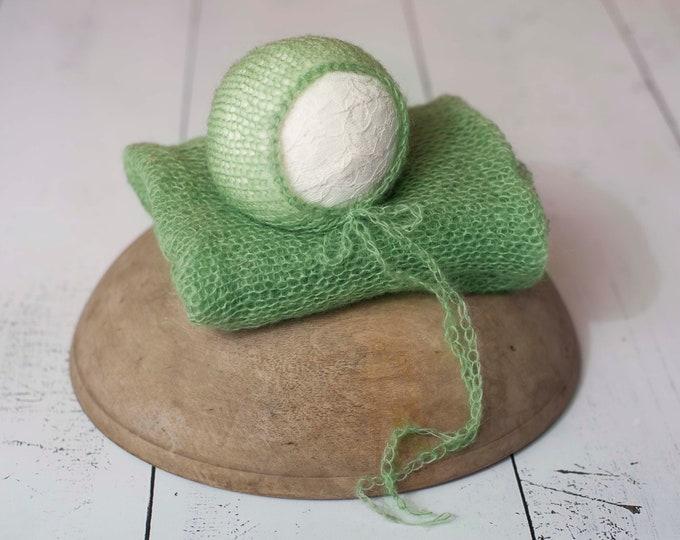 Green Mohair Knit Newborn Wrap and Bonnet Photography Prop, Stretchy Mohair Wrap, Green Mohair Newborn Wrap, Green Mohair Newborn Wrap