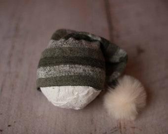 Green Holiday Seasonal Stripped Stretch Sweater Raw Hem Knit Pom Pom Newborn Sleepy Cap