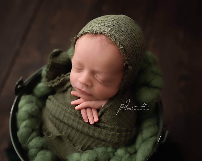 Olive Green Newborn Waffle Texture Knit Stretch Fringe Wrap And Bonnet Hat Set, Newborn Photo Props, Green Newborn Photo Prop