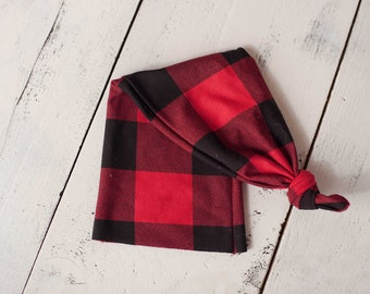 Red and Black Plaid Seasonal Knotted Sleepy Cap Photo Prop for Newborn Photography, Newborn Plaid Sleepy Cap Photo Prop, Newborn Sleepy Cap