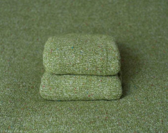 Crocodile Green Texture Newborn Posing Fabric, Green Newborn Backdrop, Green Fabric backdrop, Posing Fabric, Green Bean Bag Blank