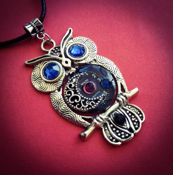 Owl jewelry Moon Stars Steampunk pendant Necklace Vintage Watch parts Fantasy Steam punk Bird Totem Silver Mens gifts For girl women Men