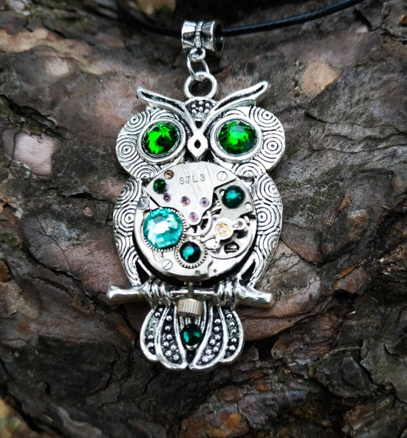 Owl jewelry Gift Necklace Silver Steampunk metal pendant Bird Fantasy Totem For women men Girlfriend Steam punk Vintage Watch parts Owls