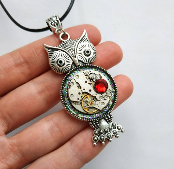 Owl jewelry Steampunk necklace Vintage style Owl gift Owls love Steam punk Gears Old watch movement For women men Red heart Silver Bird