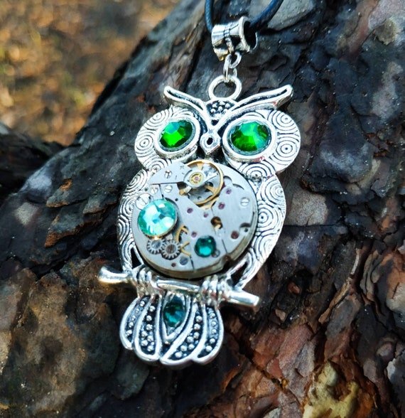 Owl necklace jewelry Gift Silver Green Steampunk pendant Bird Fantasy jewellery Totem For women men Girl Steam punk Vintage Watch parts Owls