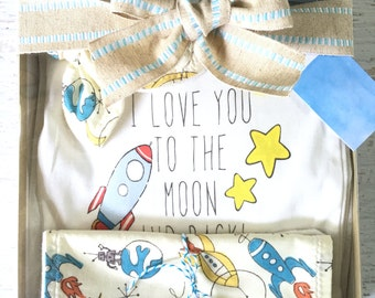 Organic Baby Clothes, Baby Boy Gift Box, Rocket Ship, baby bodysuit, teething ring, knot cap, wash/burp cloth, Baby Shower Gift