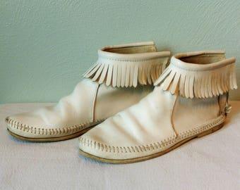 Amazing Vintage Leather Fringe Moccasins/White Leather/Size 7 US