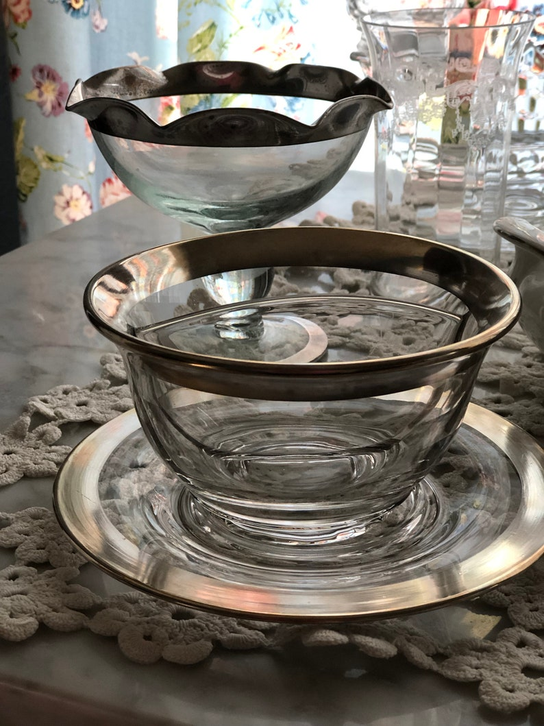 Perfect Gift for Mom or a New Home 1960 Rare c Dorothy Thorpe Style Silver Band Ruffled Pedestal Bowl Collector/'s Condition