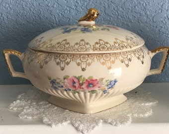 Wonderful Shabby Chic Royal China Covered Vegetable Bowl, Warranted 22K Gold, Made in USA, c. 1930's.
