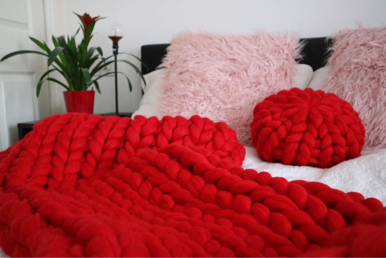 en tricot rouge grosse couverture laine m rinos couverture etsy. Black Bedroom Furniture Sets. Home Design Ideas