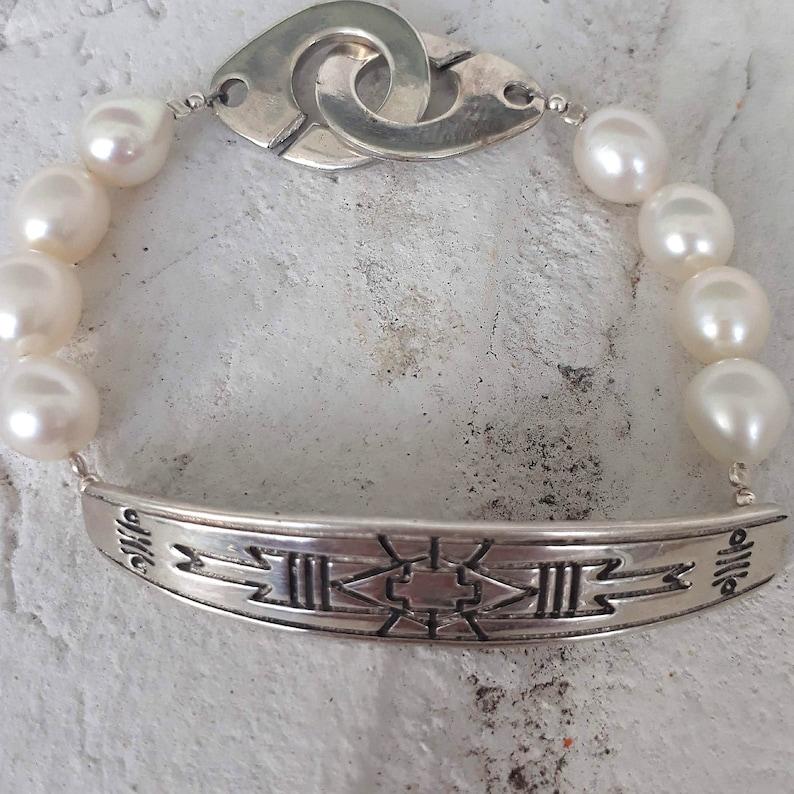 Unisex Pearl Bracelet Pearl Silver Statement Bracelet Handmade Silver Closure Bracelet Pearl Statement Bracelet Silver /& Pearl Bracelet