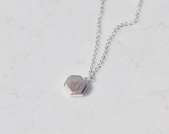 Druzy Pendant Geode Necklace Silver Plated Chain.  Grey Crystal Pendant set in silver plating. Sparkly crystal necklace