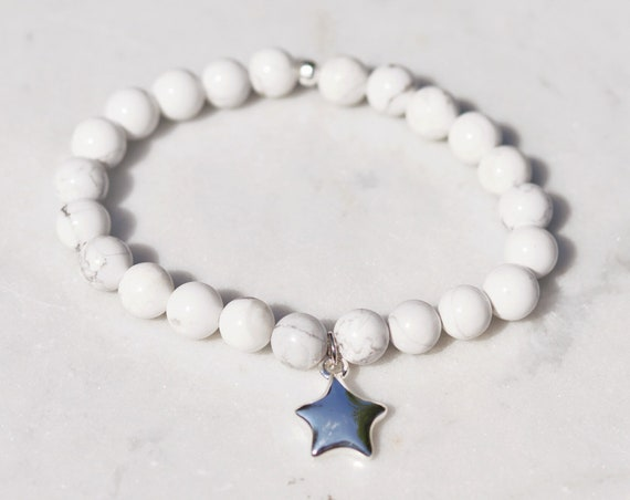 Silver star howlite beaded bracelet with silver plated charm. Howlite stone bracelet. Howlite grey boho bead stacks