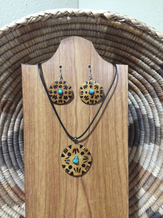 Geometric design gourd wood pyrography cabochon necklace pendant and earring set