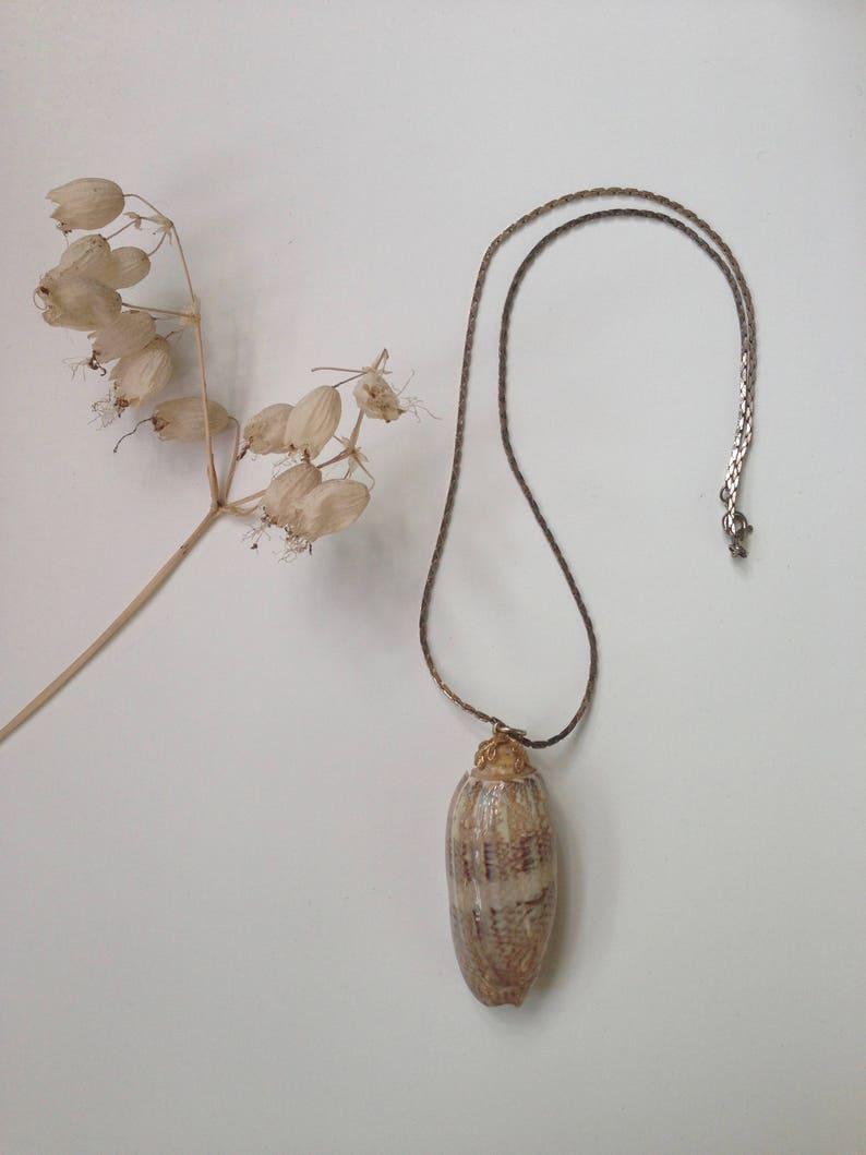 Seashell Necklace Polished Seashell Necklace Boho Necklace Seashell Pendant Summer Necklace 1970s Pendant Necklace