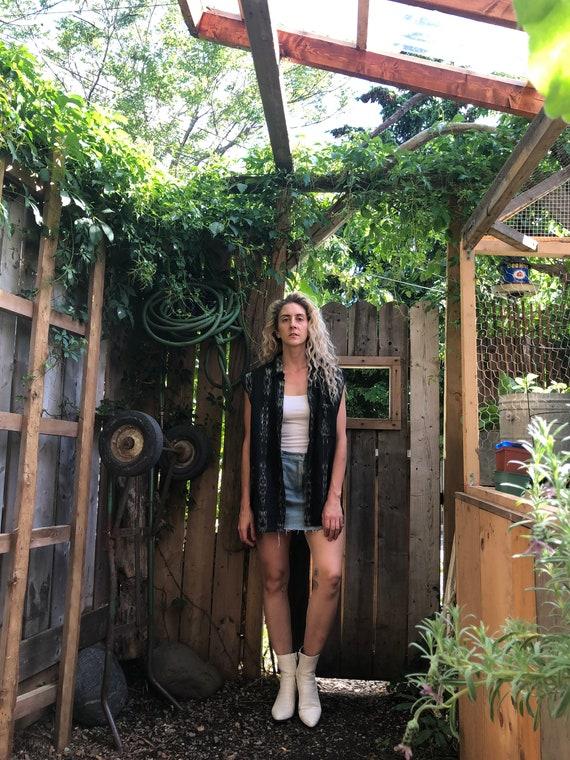 Arizona Style Sleeveless || Unisex Sleeveless Butt