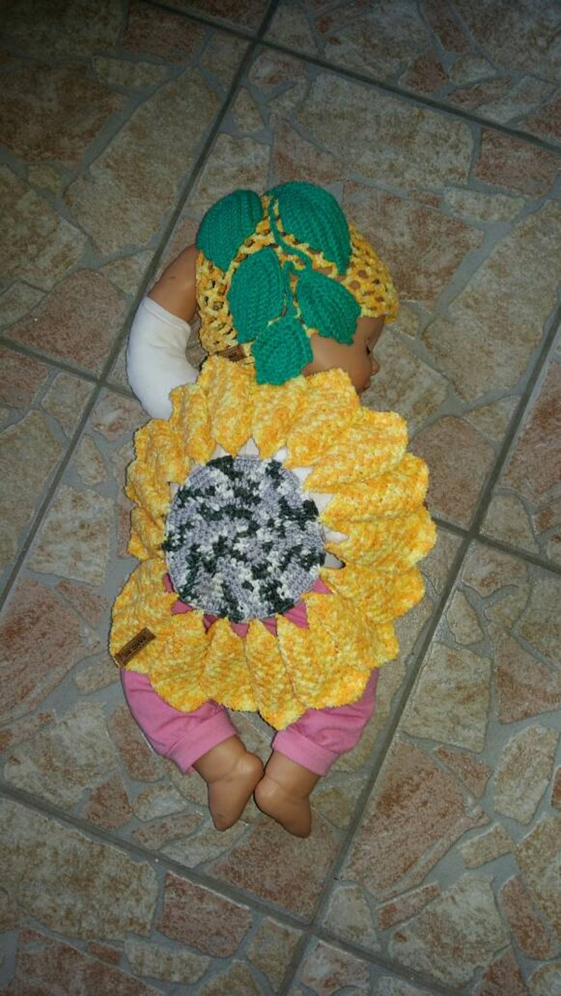 Sunflower costume for baby image 0