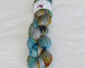 SIRIUS - Crystal - hand dyed yarn, blend of suri baby alpaca, merino and mulberry silk, lace weight