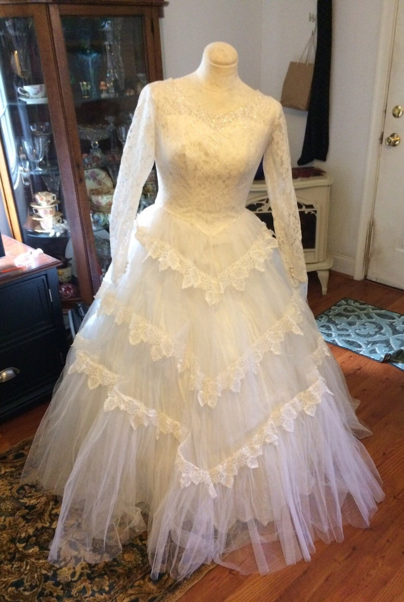 1950 S Vintage Wedding Dresses.Vintage Wedding Dress 1950 S Custom White Tulle Chantilly Lace Wedding Dress Bridal Gown